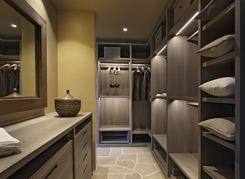 mster closet1