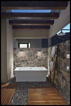 Danzante outdoor shower2